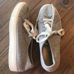Loft size 7 gray & white lace up sneakers